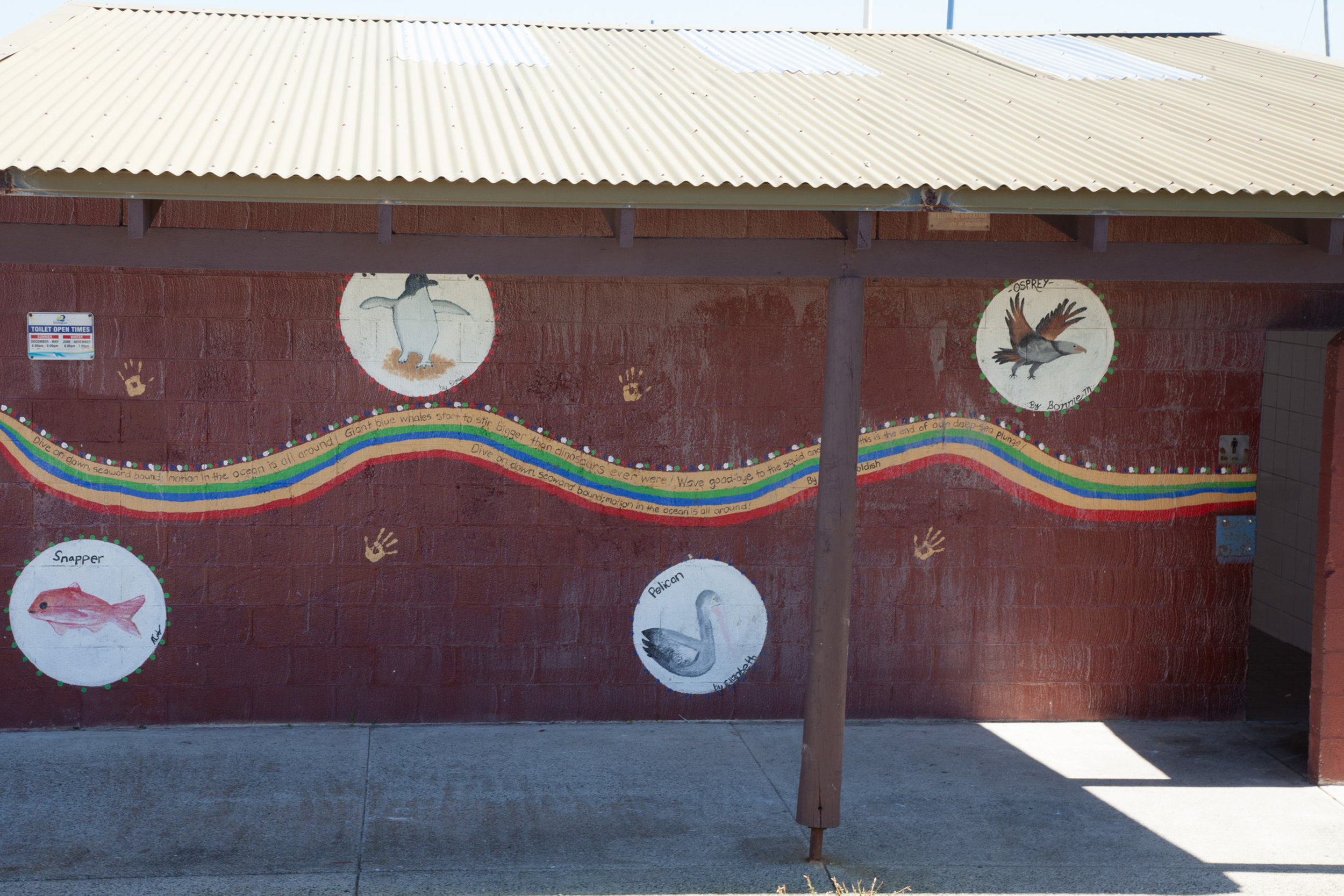 Plate 9: Re-painted toilet block about halfway along the Warnbro Beach Road section of the walk.