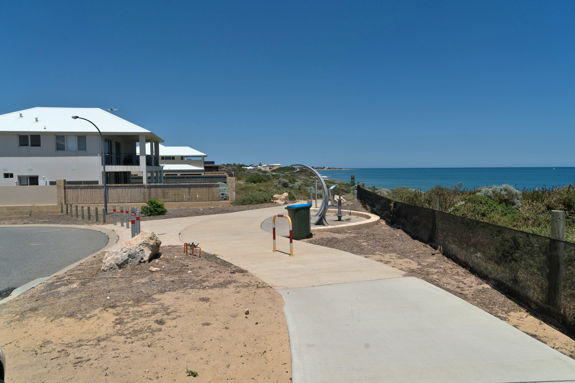 Plate 3: Start of the coastal path that runs through the foreshore reserve