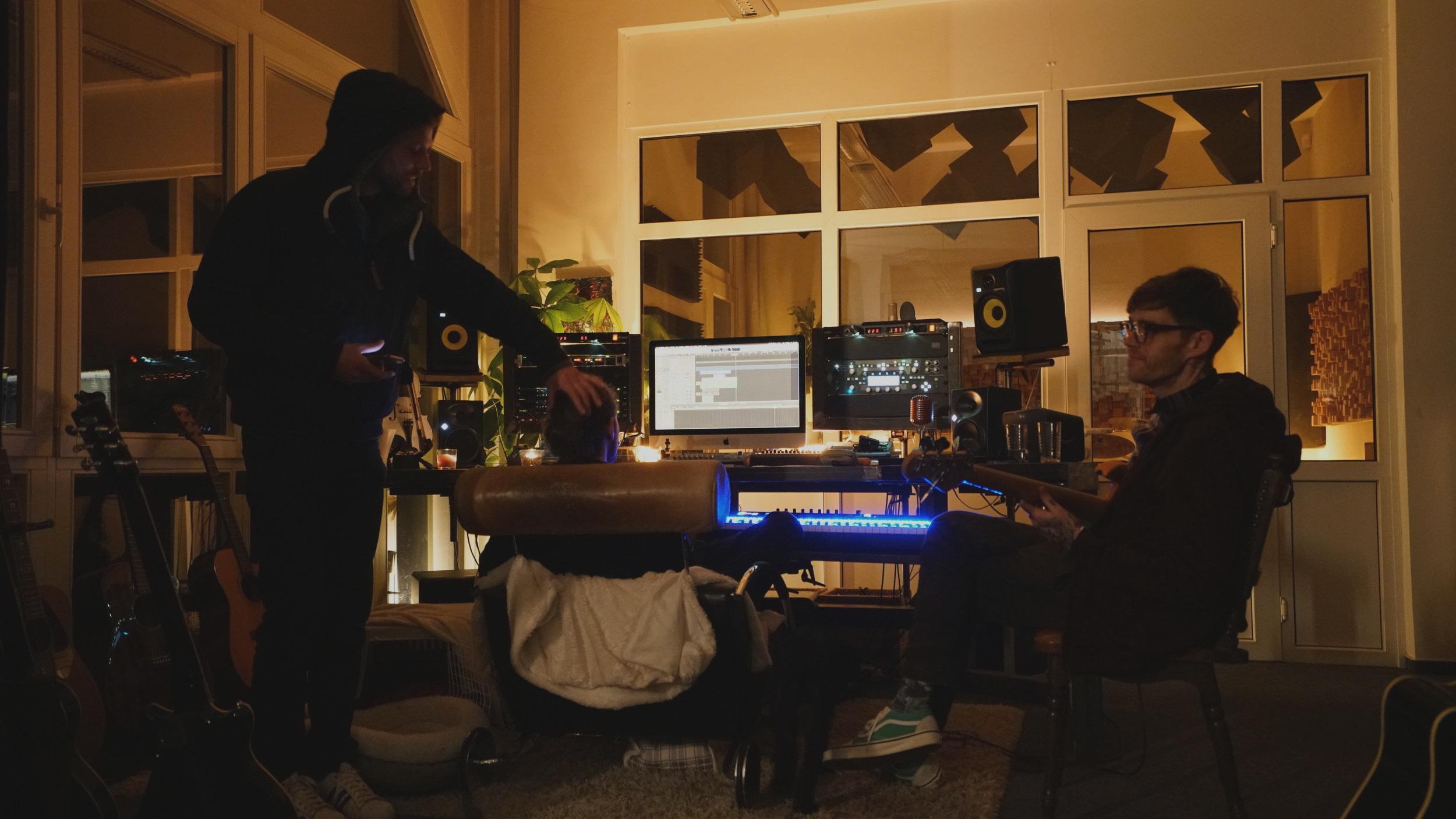 DEIN BEAT - Dein eigener druckvoller Sound.Mit Dir und für Dich produziert.