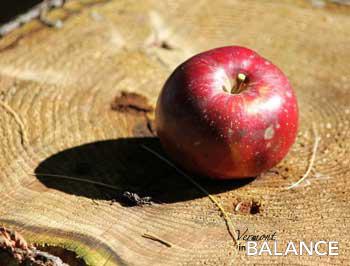 apple-w.jpg