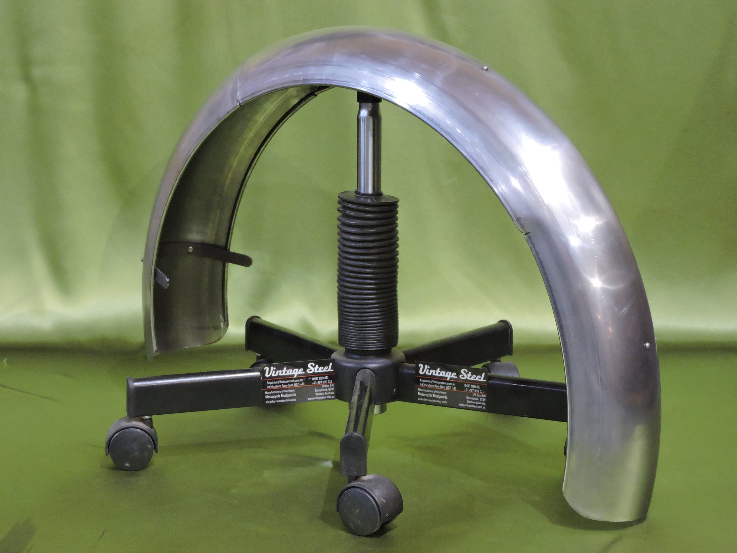 31 Rudge 1931 2piece rear hinged models (2).JPG