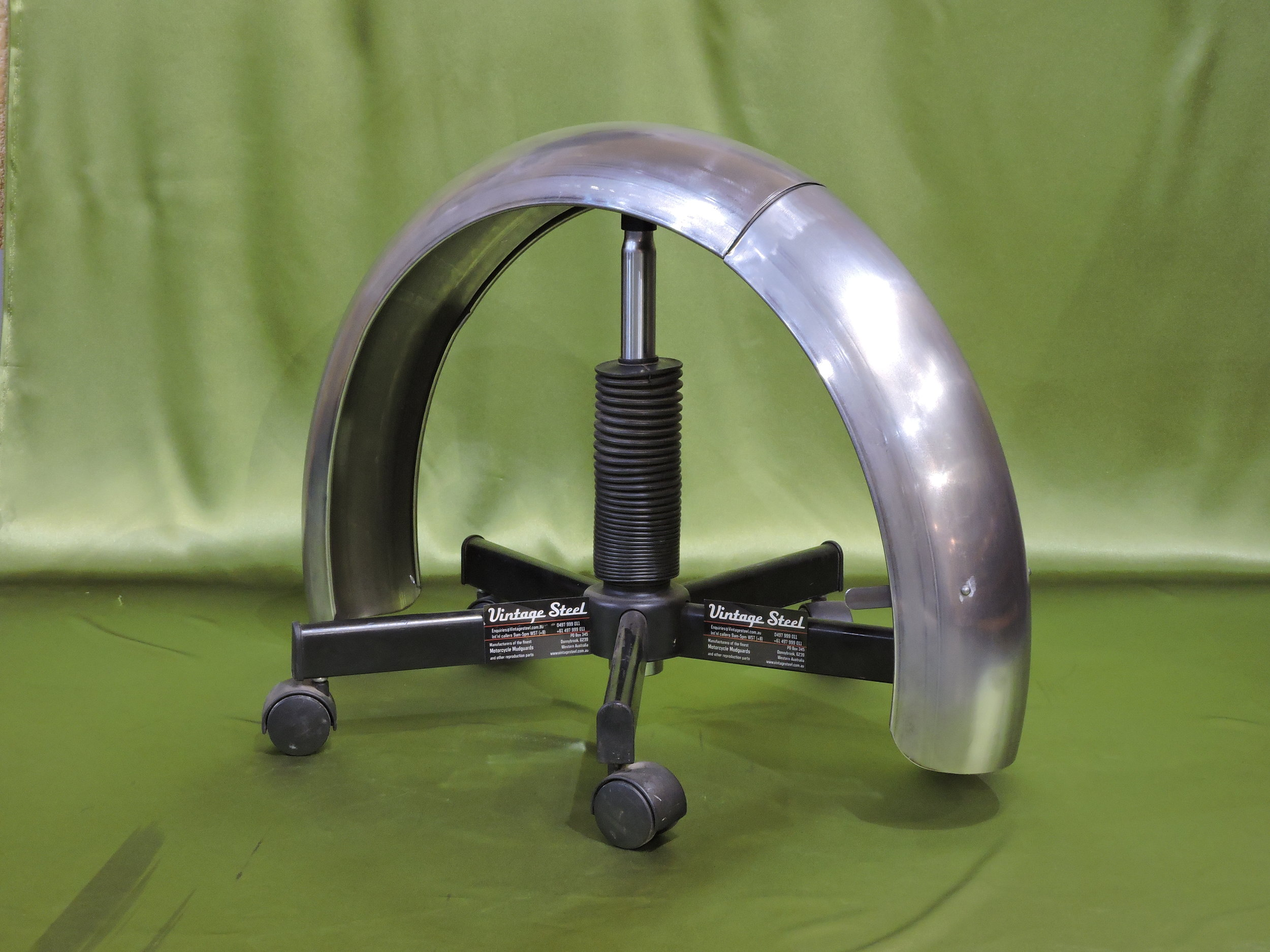 31 Rudge 1931 2piece rear hinged models (6).JPG