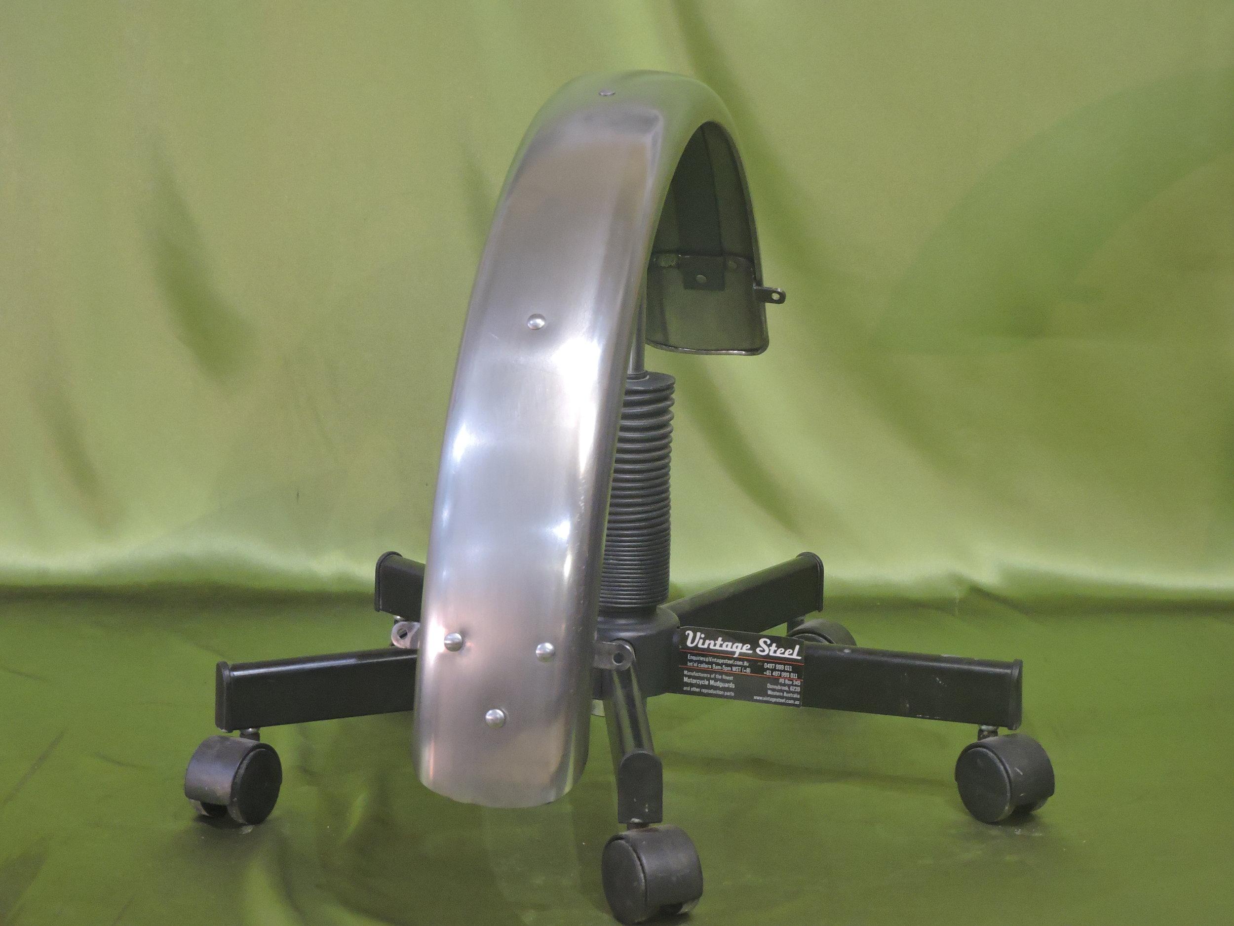 11 Norton Custom (9).JPG
