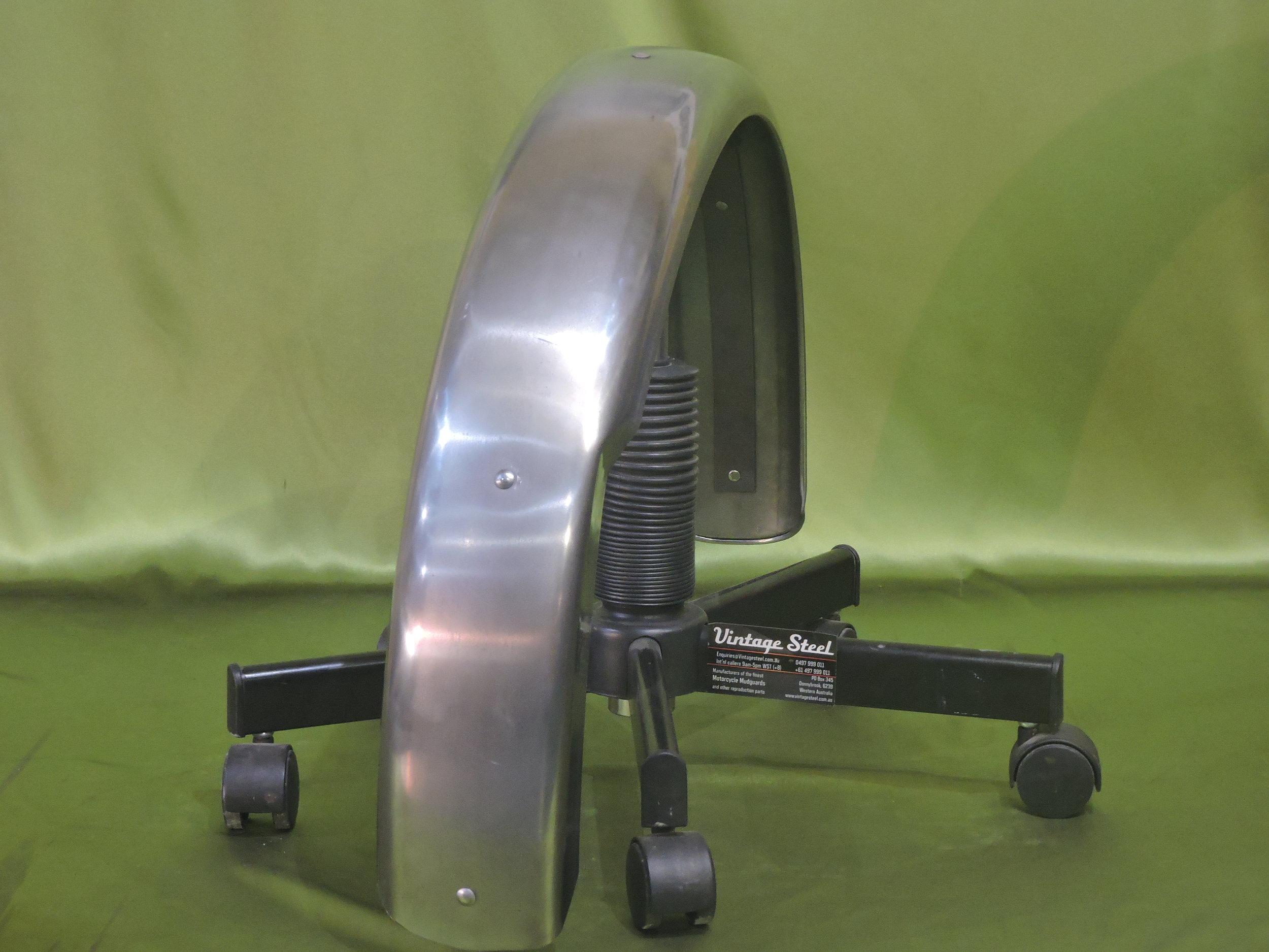 25a Norton Custom (4).JPG