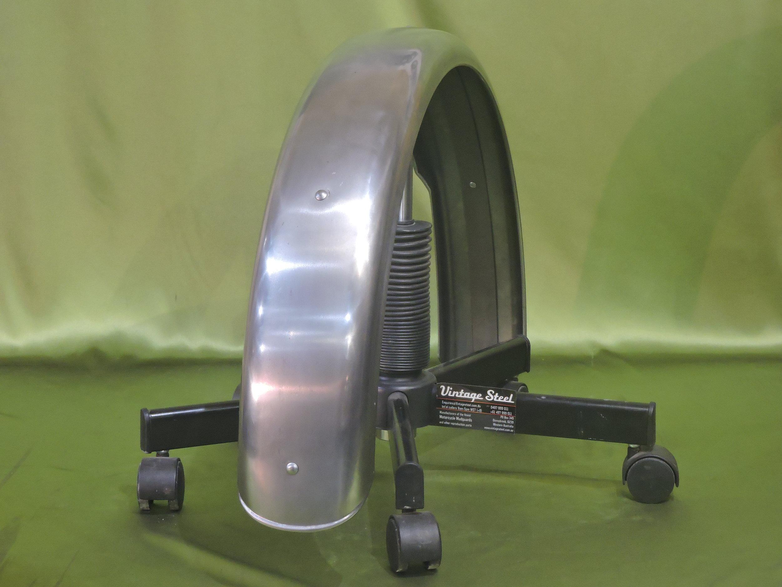 25a Norton Custom (9).JPG