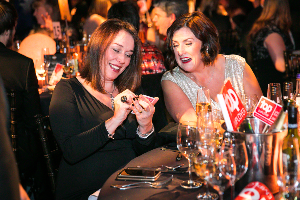 Keeping guests entertained in their seats with table magic at the Top Employers Award Dinner 2018