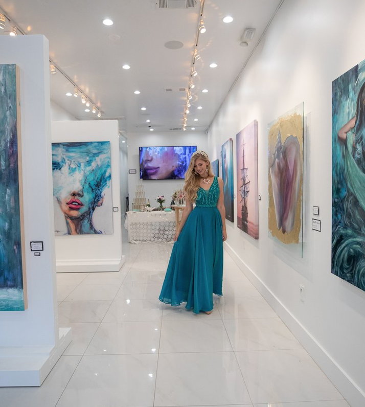 LINDSAY'S BEAUTIFUL ART GALLERY - CHECK OUT HER WEBSITE TO SEE MORE.