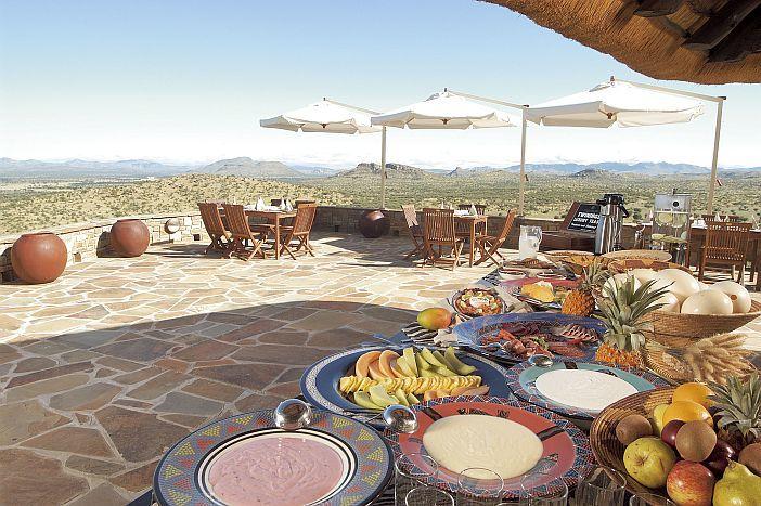 Gocheganas-Breakfast-on-terrace.jpg