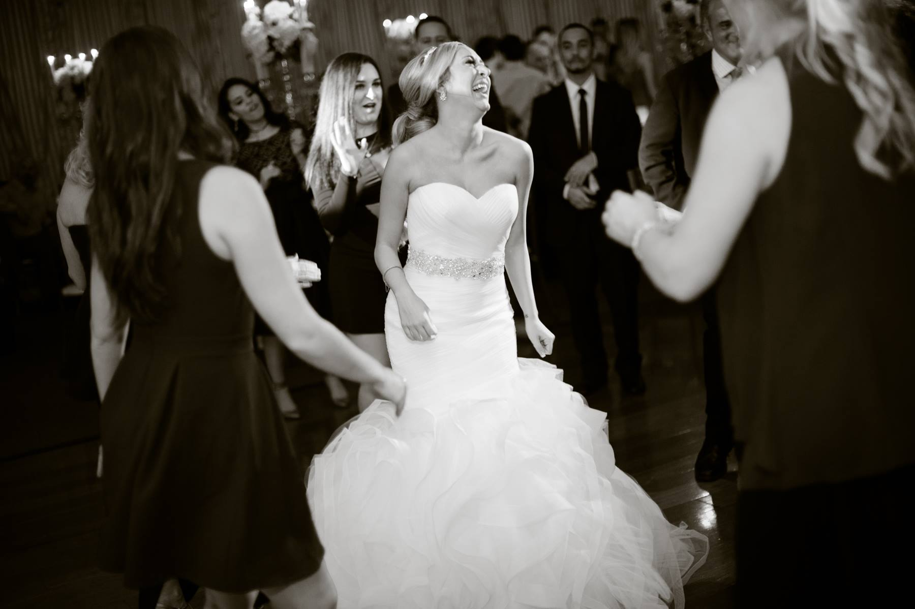 bride-dancing-candidly-on-dance-floor.jpg