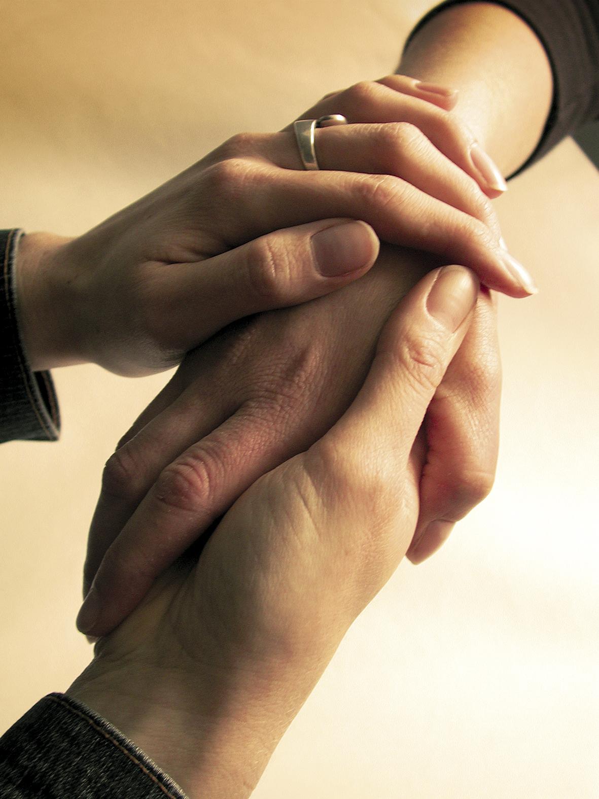 hands-1528222.jpg