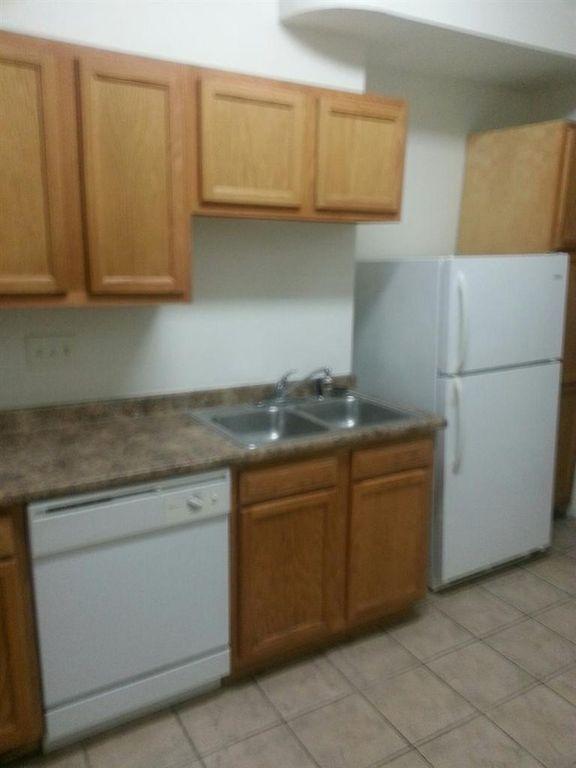 8346-kitchen.jpg