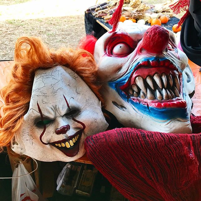 Did you know that we have a full Halloween costume shop at all of our locations 🤡👹?! Find your nearest location at www.mrjackolanternspumpkins.com 🎃!