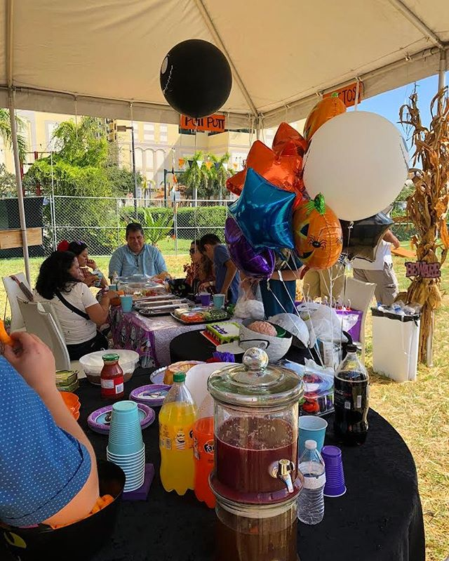 Does someone you know have a birthday coming up? We love to host parties! Call (844) 452-2567 or email mrjackolanterns@propercompanies.com to schedule your event today! 🎉