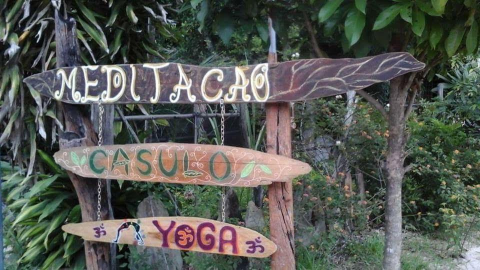 retreat signs.jpg