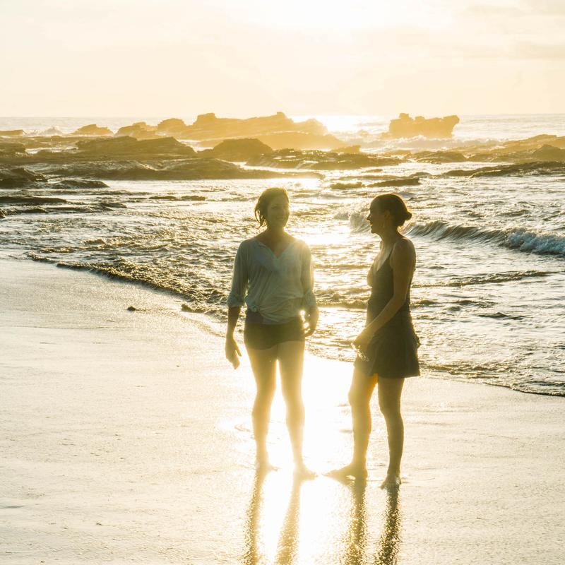 katie_robin_on_beach_costa_rica_800x.jpg