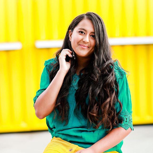 Hello SUNSHINE ☀️ 📷:@arielperry // Hair & Makeup:@shainaramseybeauty #arielperryseniors #arielperryphotography #chattanoogaphotographer