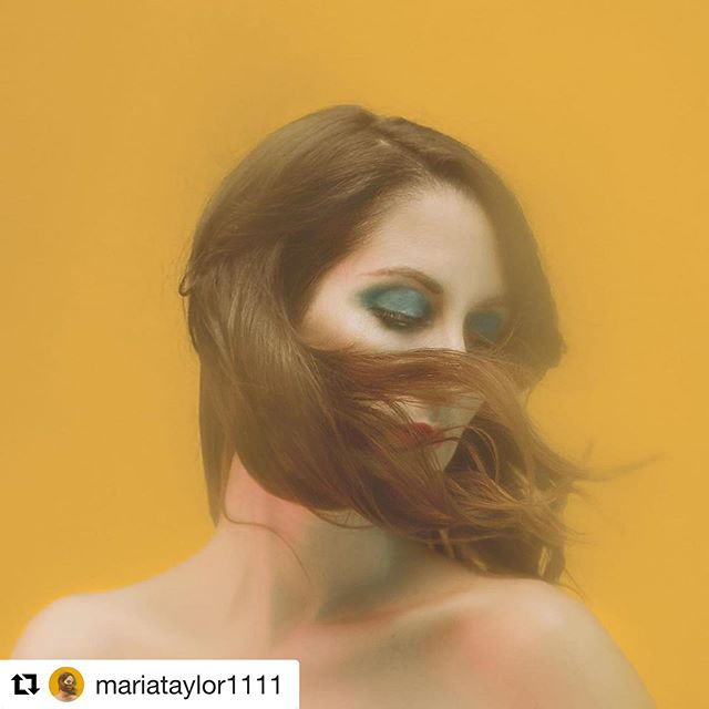 Congrats to @mariataylor1111 & @flowermoonrecords! 🚨🚨 NEW SELF TITLED RECORD COMING OUT ON 11/11 !!!!! 🚨🚨 😁😁😁🍷🍷🍷😁😁😁😁🎶🎶🎶 📷 @lizbretz