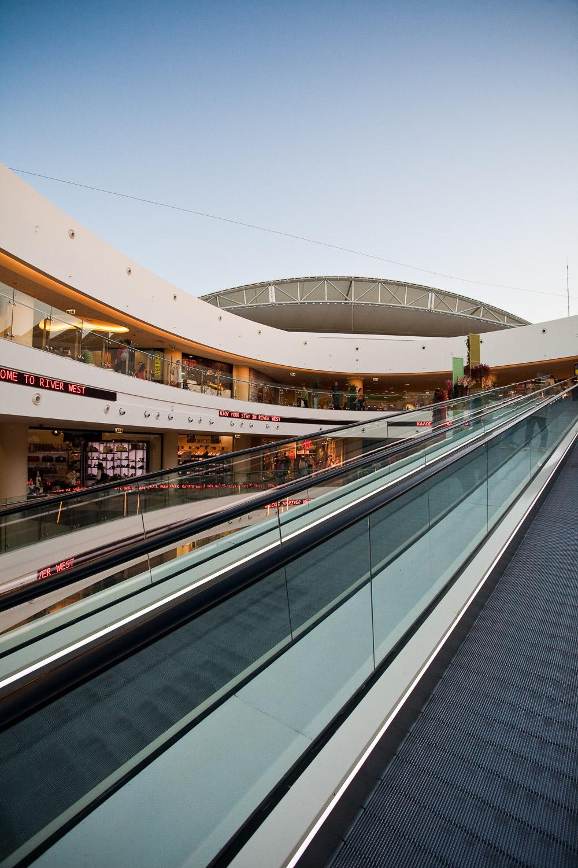 river-west-shopping-mall-14.jpg