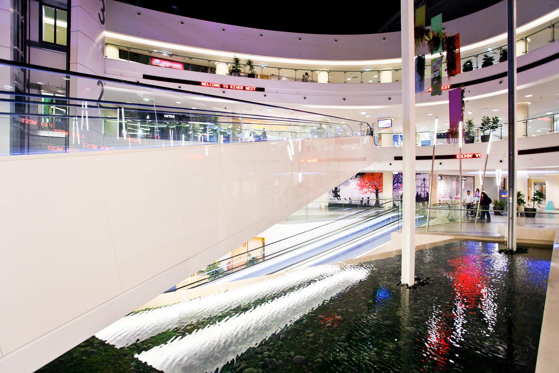 river-west-shopping-mall-21.jpg