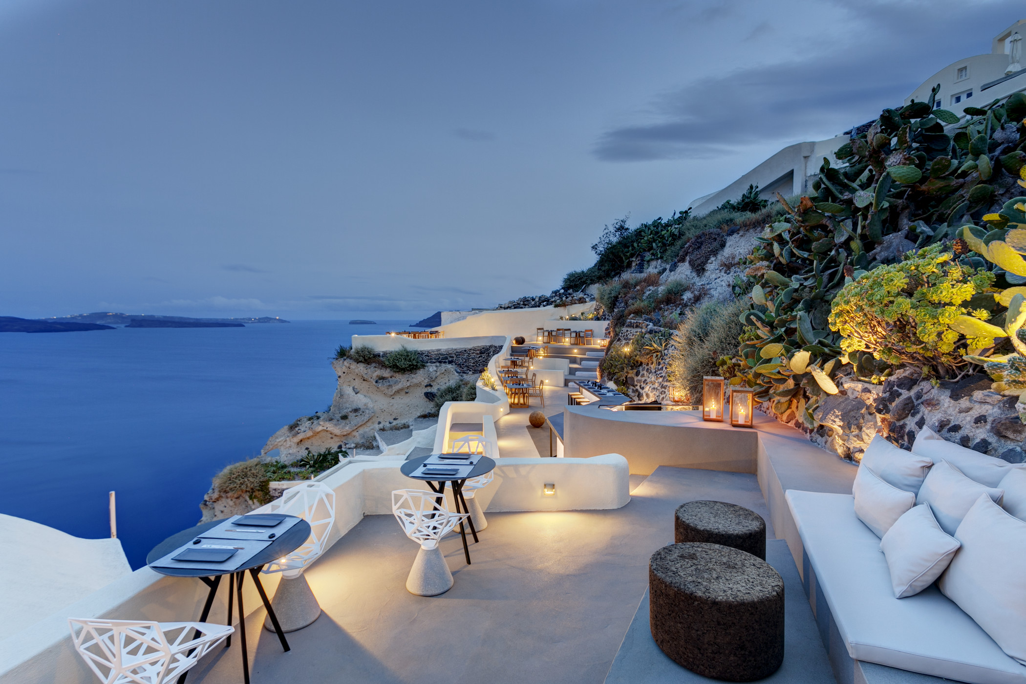 ASEA-Lounge-Restaurant-at-Mystique-a-Luxury-Collection-Hotel-Santorini.jpg