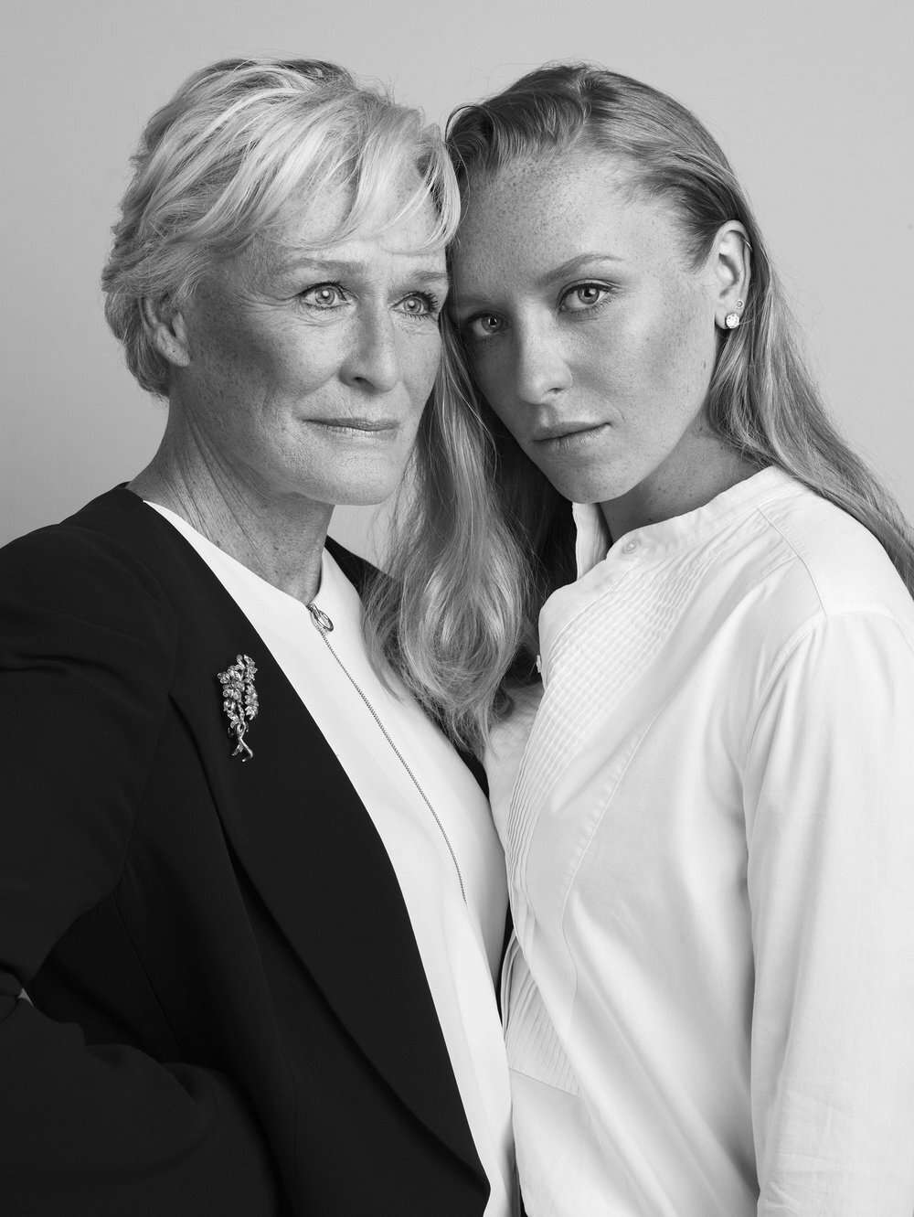 glenn_close_and_annie_starke_by_sandro_baebler.jpg