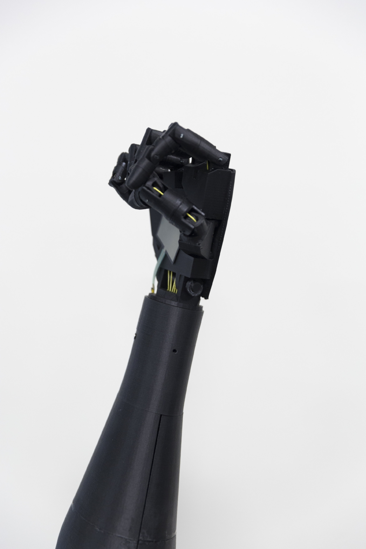 Tendon driven 3D Printed hand equipped