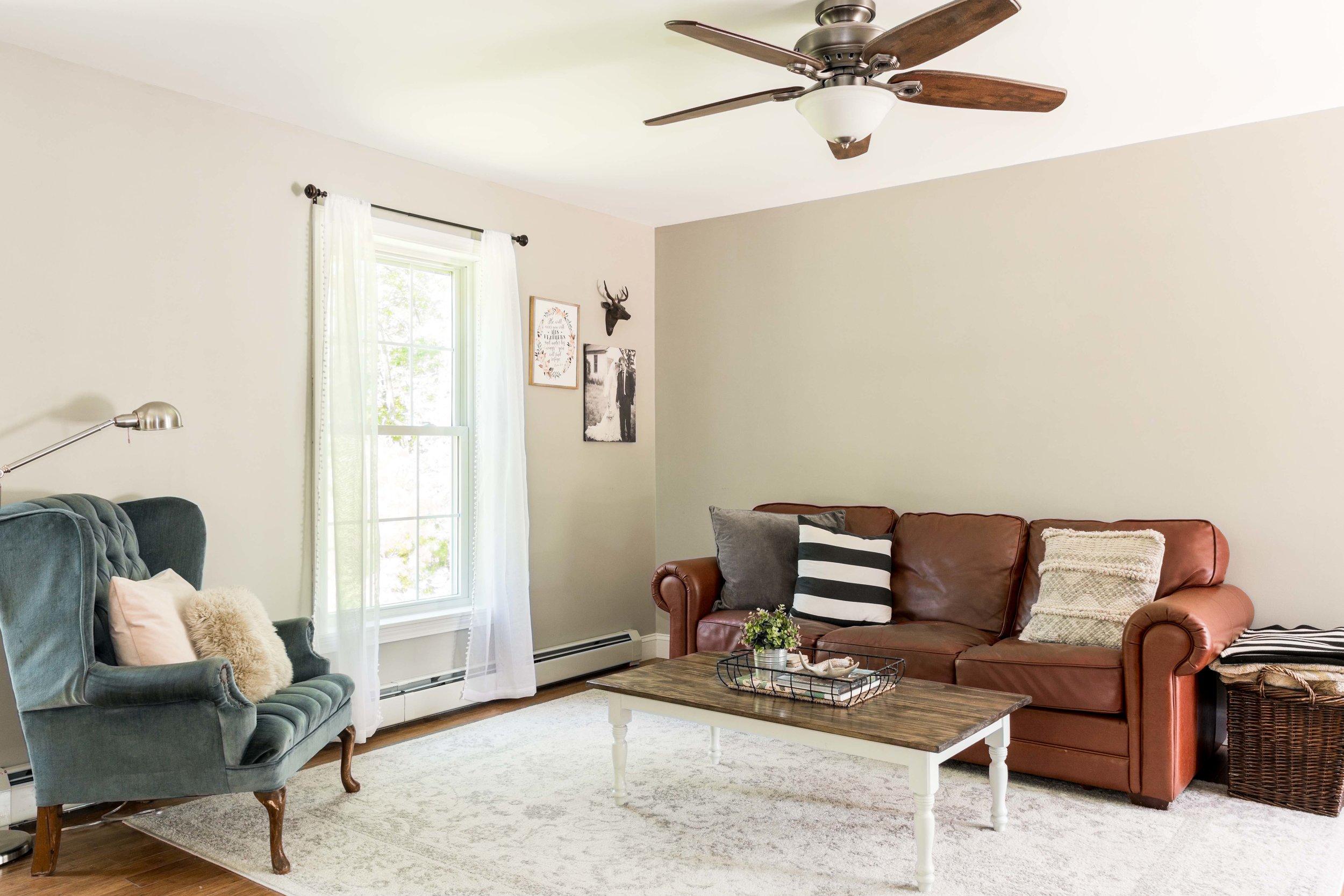 Autumn Lane Starter Home Colonial, Raymond Maine, Livingroom