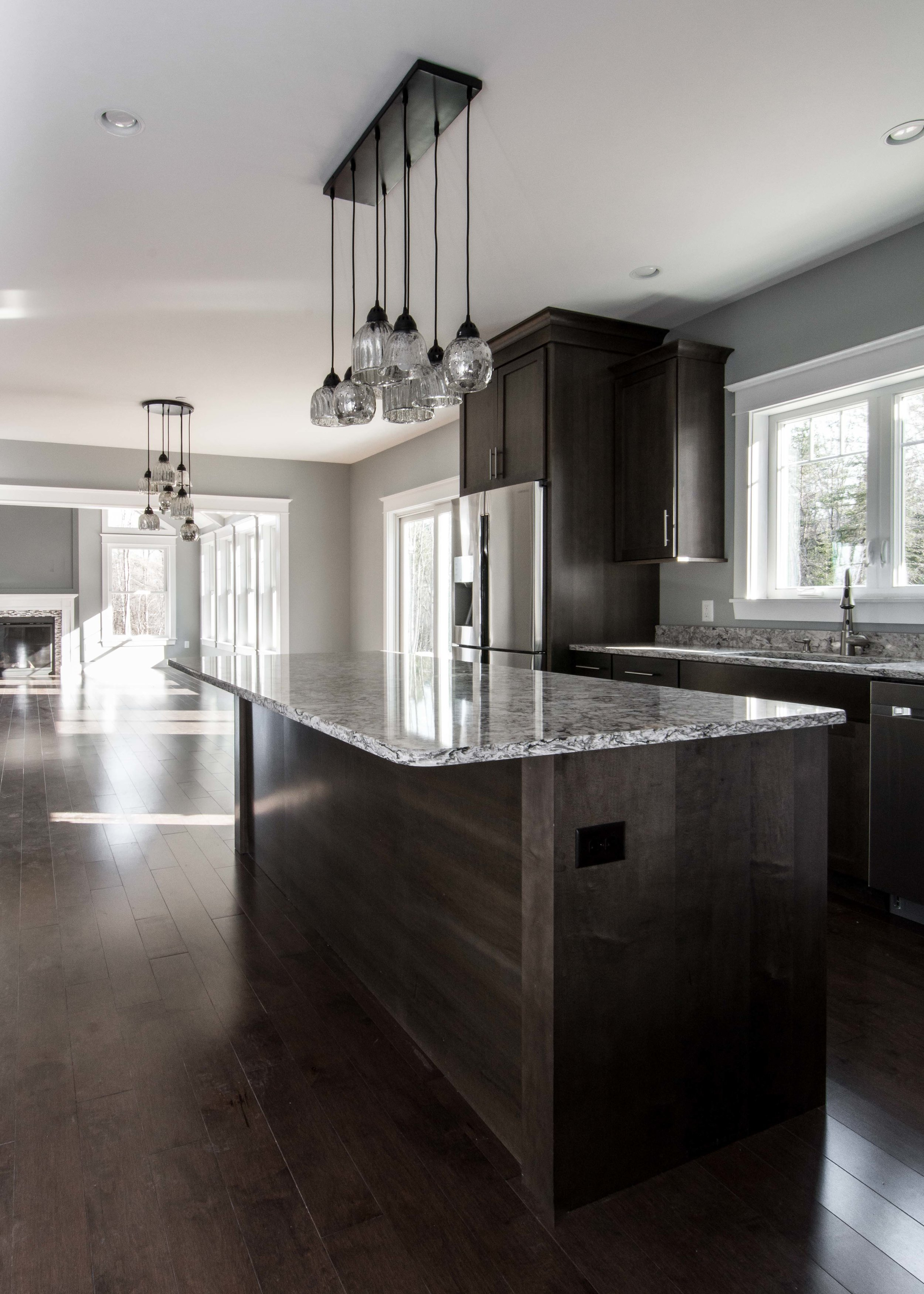 Ryder Colonial, Yarmouth, Maine, Kitchen Island