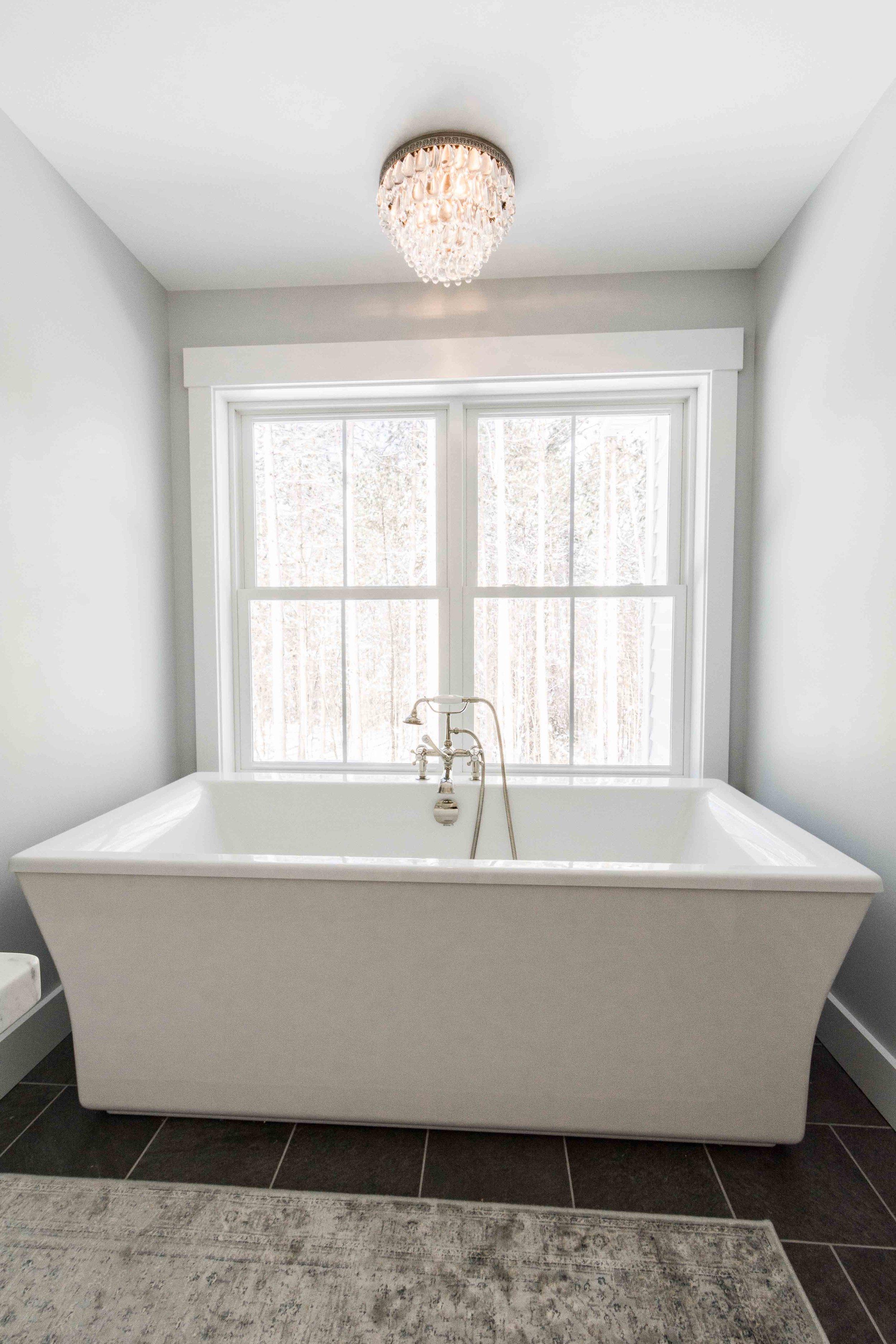 Pleasant River Farmhouse, Windham, Maine, Master Bathroom Tub