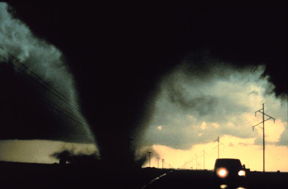 tornado-541911_960_720.jpg