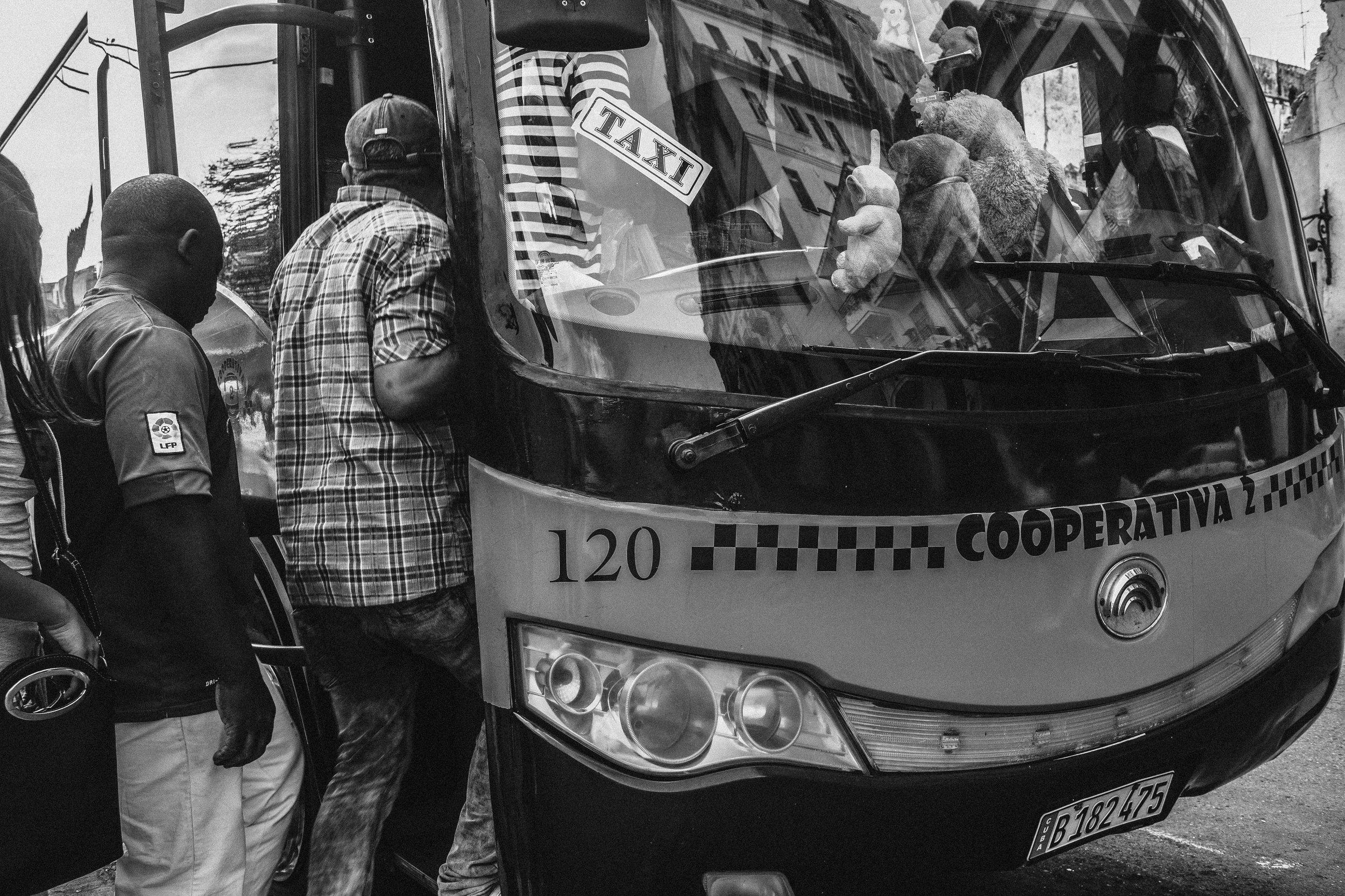 P-Bus de Cuba by Jorge Güiro 25.jpg