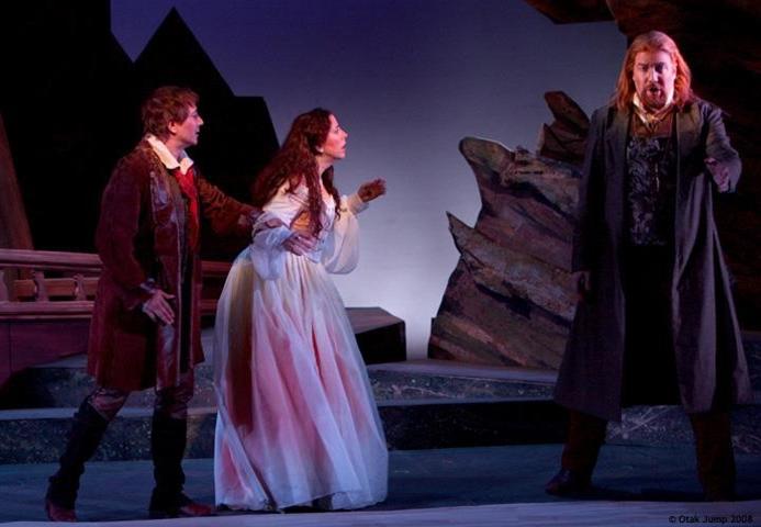 Holländer West Bay Opera