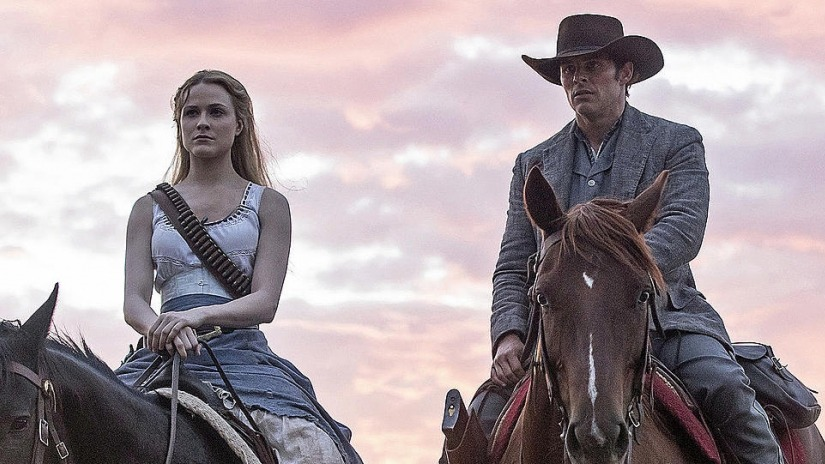 Dolores and Teddy Westworld Season 2