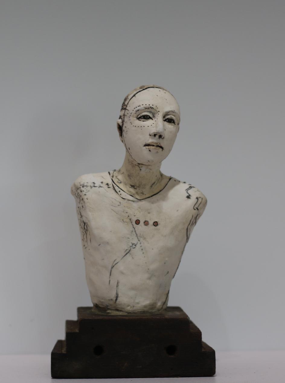 Oddfellow  5x3x3, Pedestal Clay, found object
