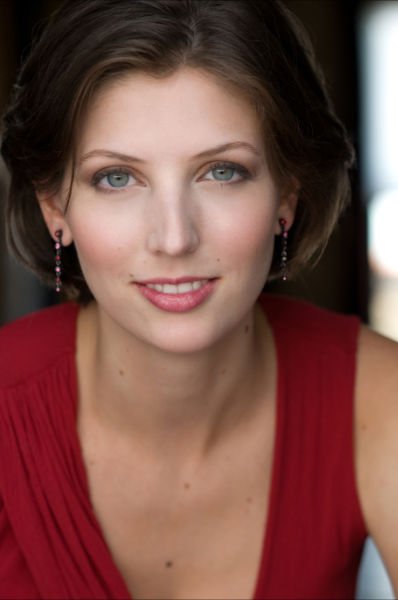 Elizabeth Anderson - Singer, Voice and Piano Instructor. Sings with Los Angeles Opera and Los Angeles Master Chorale