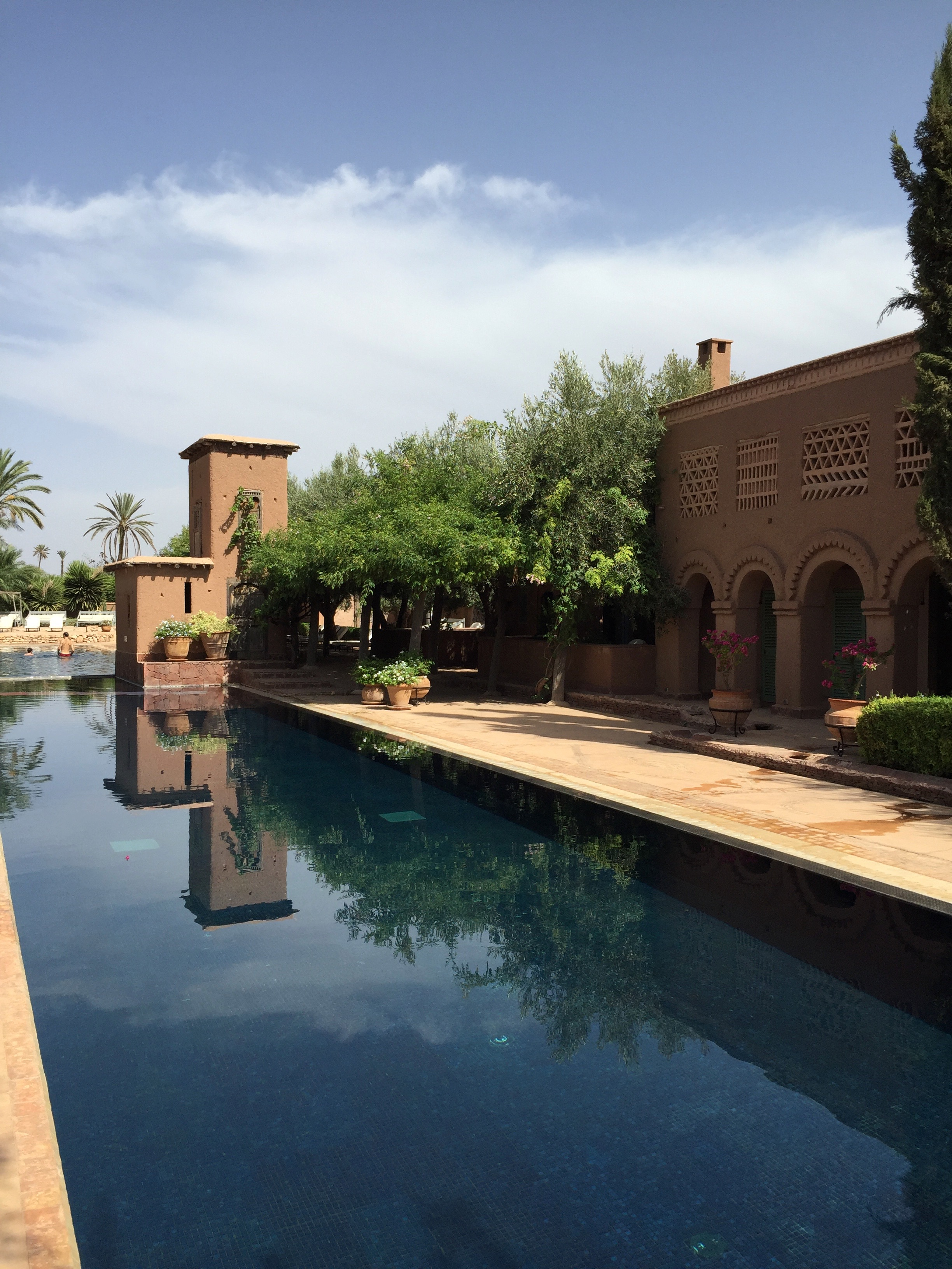 Travel Marrakech Beldi Country Club Fer Millan big pool Fernanda Milla.jpg