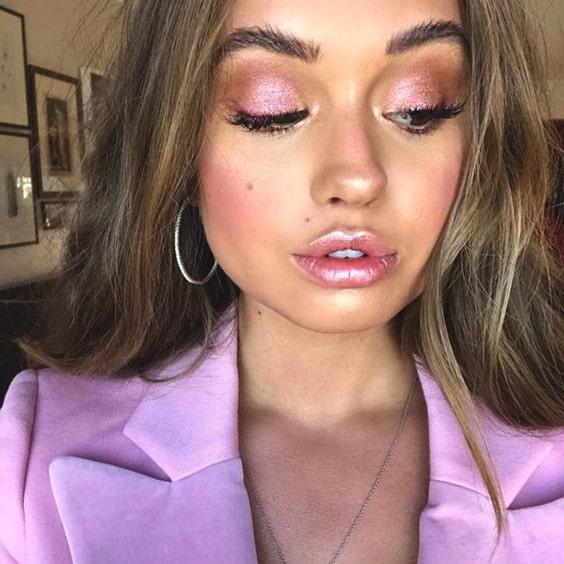 metallic-lips-pink-makeup-look-min.jpg
