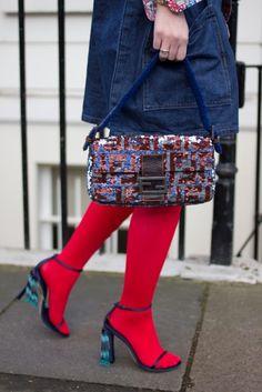 7761e42b4fdd169cc48ae1a4d434eb98--baguettes-designer-handbags.jpg