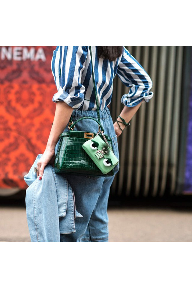 large_Fustany-Fashion-Accessories-Multiple_Handbags-Street_Style-5.jpg