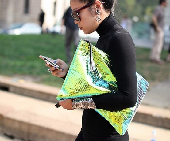holographic-street-style-trend-clutch.jpg