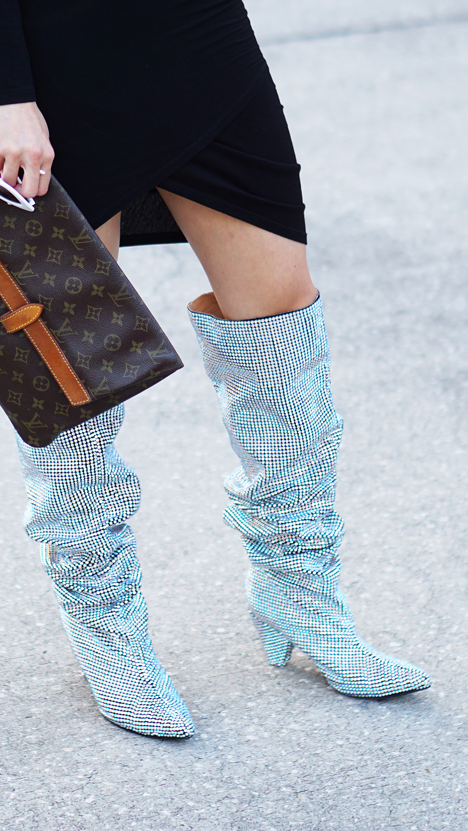 Rhinestone_Glitter_Boots_Street_Style_Streetstyle_Fashion_Outfit_Inspiration_Sparkly_Shoes.jpg