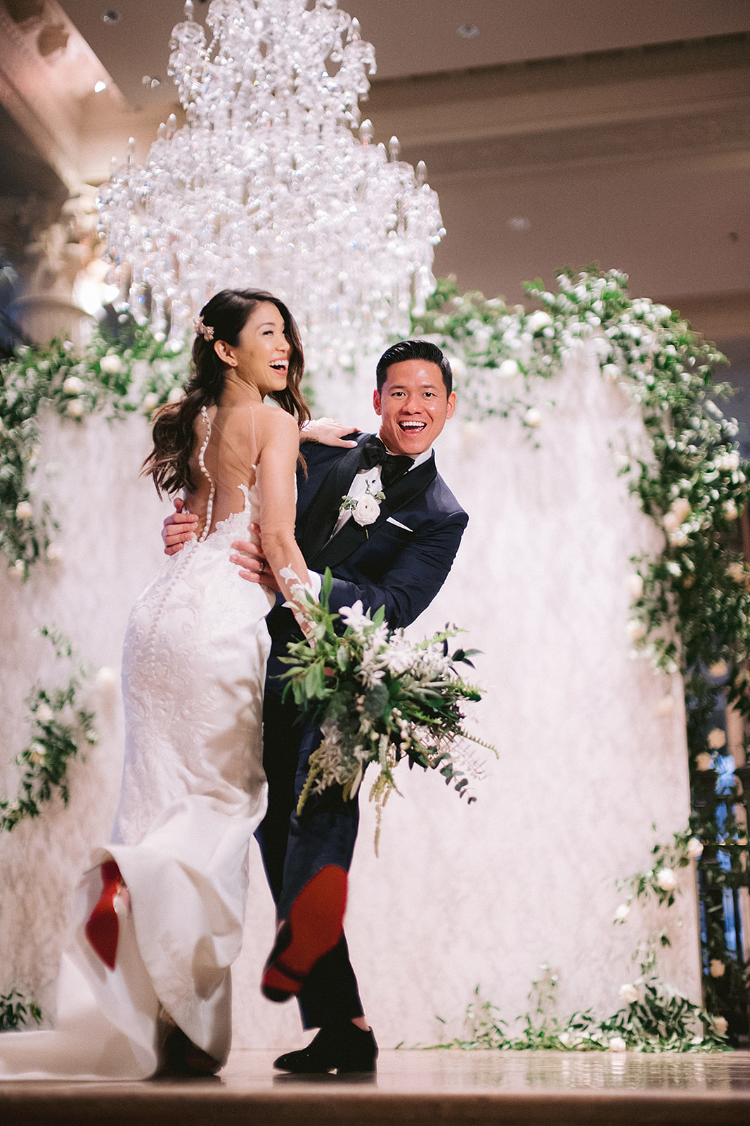 For Michelle and Soo's Modern Luxe wedding in the heart of downtown Houston, Spell Events…