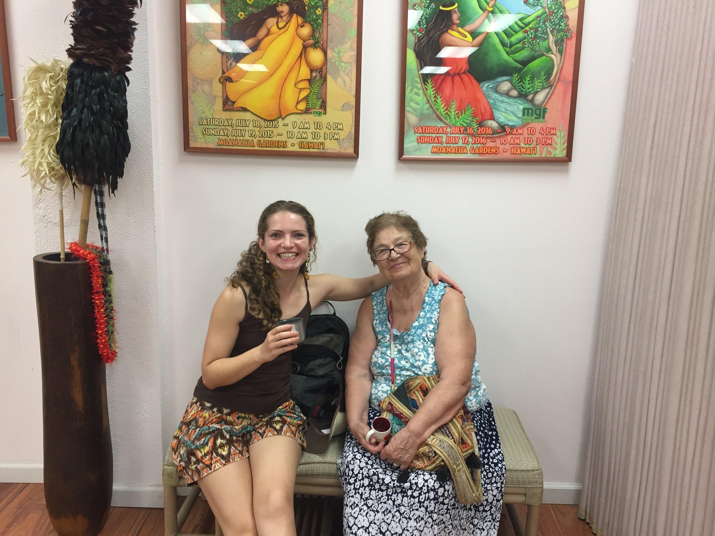 Maria y abuela.jpg