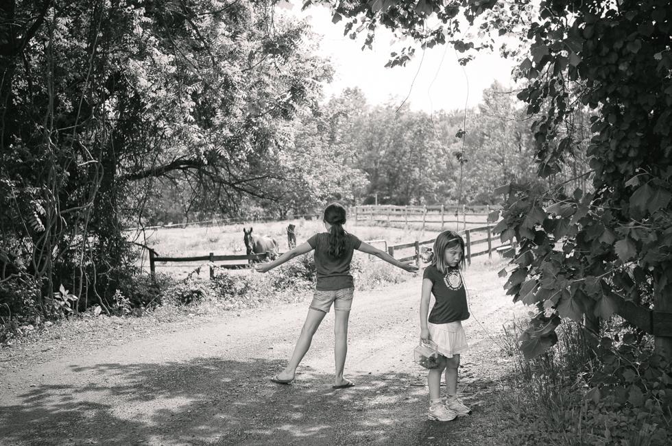 Ruby at the Farm- McKenzie Elizabeth Photography blog-22.jpg
