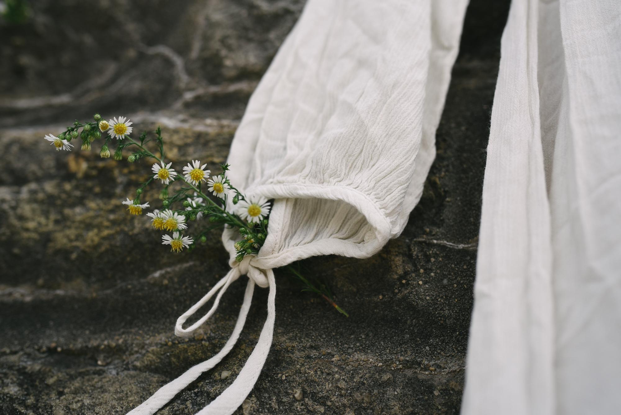 Mountain Wedding, Outdoors, Rustic, West Virginia, Maryland Wedding Photographer, DIY, Daisies with Wedding Dress