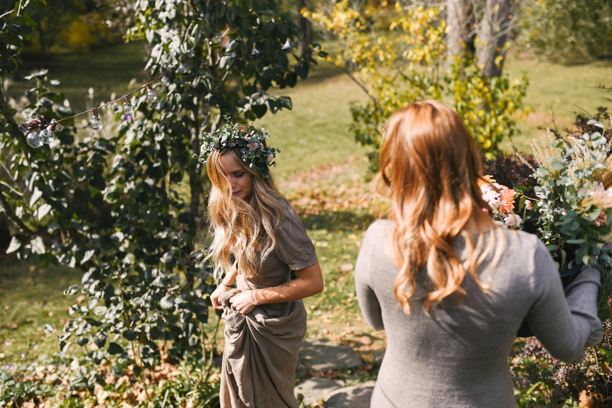 Kissing couple in backyard wedding