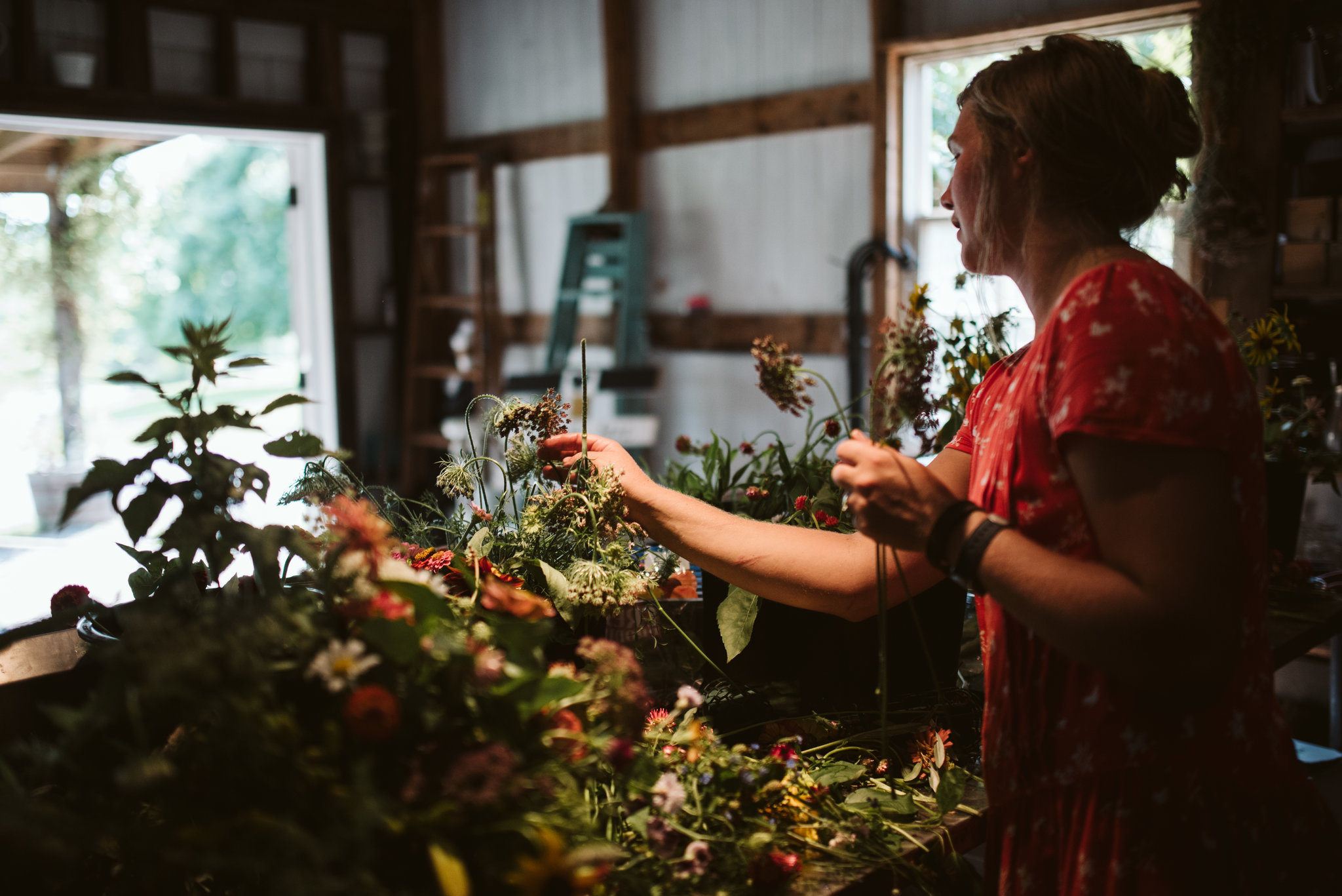Rocklands Farm, Maryland, Intimate Wedding, Baltimore Wedding Photographer, Sungold Flower Co, Rustic, Romantic, Barn Wedding, Flower Arrangements Being Finishing, Final Touches