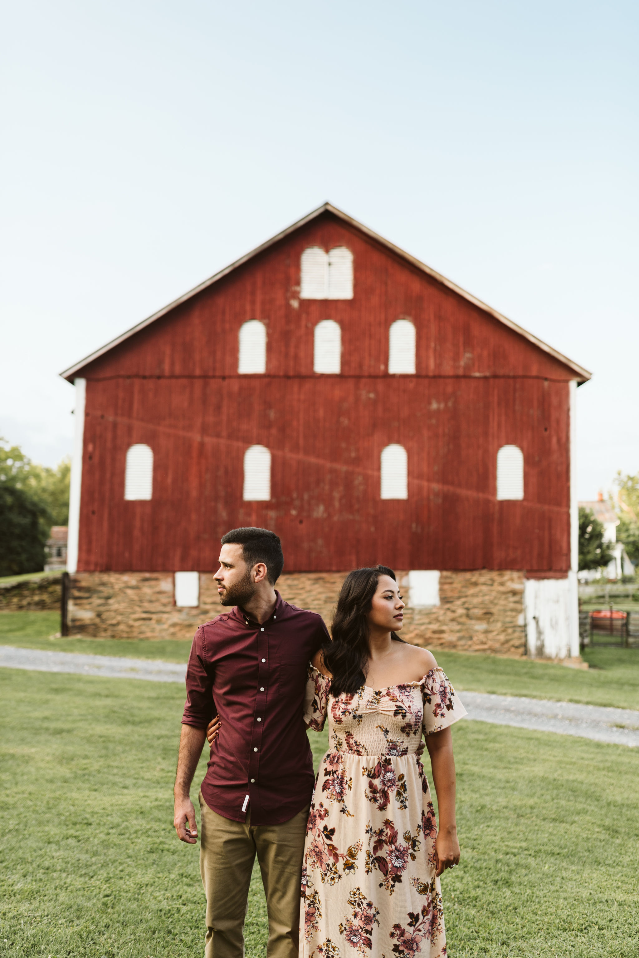 Frederick Maryland, Baltimore Wedding Photographer, Engagement, Bend in the River Farm, Outdoor, Rustic, Nature, Portrait of Couple in Front of Red Barn