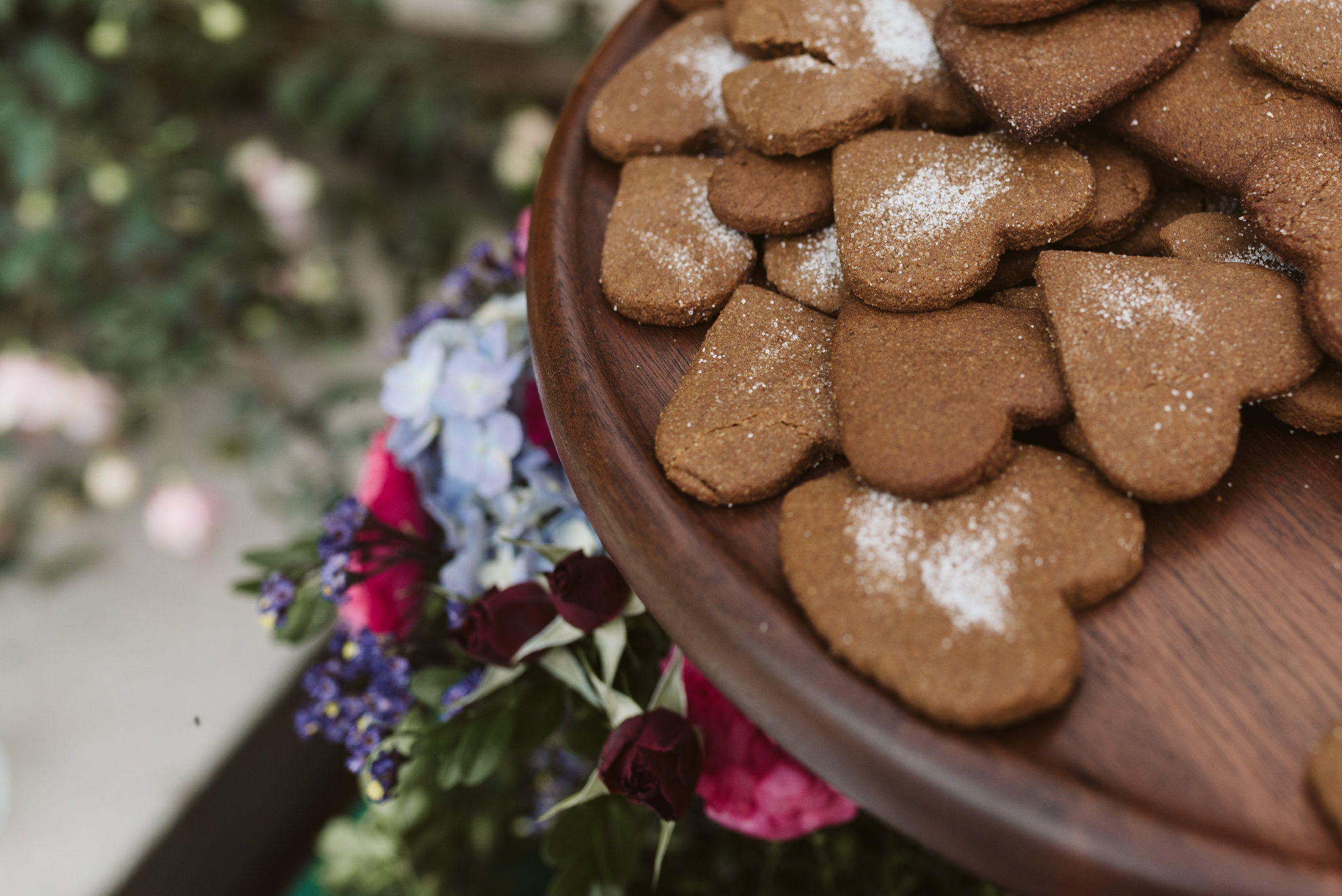 Annapolis, Quaker Wedding, Maryland Wedding Photographer, Intimate, Small Wedding, Vintage, DIY, Ginger Cookies, Heart Shaped Cookies, Handmade desserts