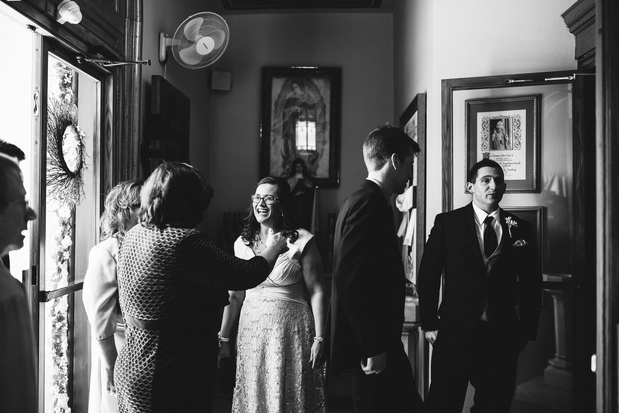Baltimore, Church Wedding, Maryland Wedding Photographer, Vintage, Classic, Guests Arriving at Venue, Black and White Photo, Candid
